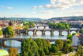 Прага - вълшебна и очарователна, със самолет и обслужване на български език