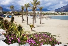 Съкровищата на Испания - със самолет, на български език